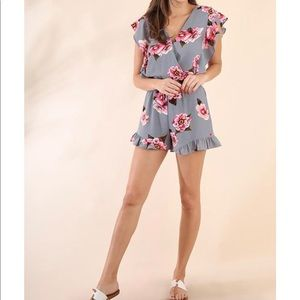 Umgee flowered gray surplice romper NWT